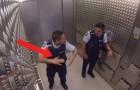 Los agentes de la policia suben en el ascensor: el viaje hacia la Planta Baja les reserva una sorpresa