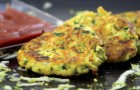 Probier diese Zucchinipuffer aus, sie sind einfach zu machen und haben einen unbeschreiblichen Geschmack