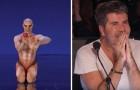 Hij betreedt het podium in een bijzondere outfit, maar zijn optreden is angstaanjagend... GOED!