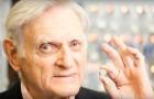 A 94 anni, l'inventore della batteria al litio ne inventa un'altra potentissima