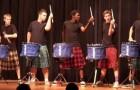 Des Écossais et des tambours: Action!