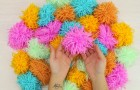 An easy Pompon rug you can make yourself!
