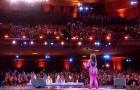 Elle affirme pouvoir chanter comme Whitney Houston: quelques secondes après, le public est incrédule