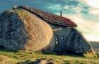 Questa casa di roccia è molto famosa, ma pochi hanno visto com'è all'interno