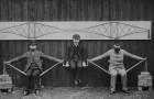 Dieses faszinierende Bild Ende des 19. Jahrhundert zeigt wie eine Auslegerbrücke funktioniert