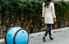 Arriva la valigia robot che ti segue ovunque: così puoi spostarti senza il peso del bagaglio