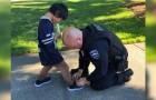 La policia compra los zapatos a un niño luego de haberlo visto caminar con las medias sucias