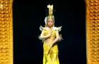 La spectaculaire Danse des Milles Mains