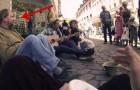 Este hombre de la calle, un mendigo, venia ignorado de todos, cuando tres estudiantes deciden de hacer algo de magico.