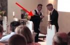 Quando lo sposo si è tolto la giacca, nessuno poteva aspettarsi cosa sarebbe accaduto
