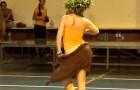 Os movimentos que esta bailarina faz são realmente incríveis