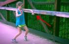 Você vai ficar impressionado com os movimentos desta menina