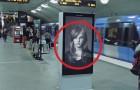 On dirait une publicité d'un shampoing mais… Attendez que le train passe!