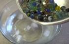 Esto es lo que ocurre cuando se ponen las bolitas de vidrio al horno y luego en el agua helada. Genial!