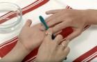 Limpiar las uñas con cepillo de dientes y dentifrico? el resultado es brillante!