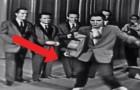 Elvis the Pelvis: de beweging die hij maakte met zijn heupen zorgde voor veel opschudding!