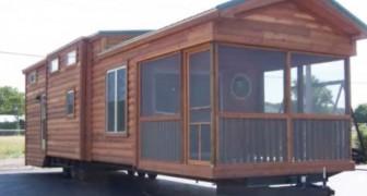 Deze stacaravan biedt ruimte aan 6 personen en beschikt over een fantastisch interieur: laten we een kijkje nemen!