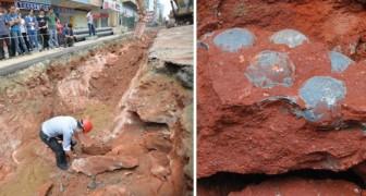 La manutenzione di una strada cinese viene interrotta: gli operai fanno una scoperta epocale