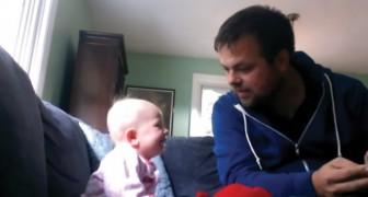 Der Onkel liest ein Märchen, und das Kind hört nicht auf zu lachen: der Grund? Hört seine Stimme...
