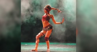 A dança que elogia o corpo feminino: você não vai conseguir tirar os olhos da tela!