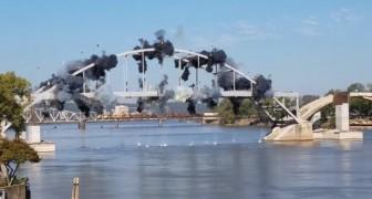 Eine baufällige Brücke wird in die Luft gesprengt, aber etwas geht dabei schief...