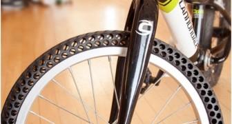 Ben je het zat om steeds een lekke band te hebben? Dit is de eerste fietsband ZONDER LUCHT!