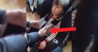 Ecco perché è PERICOLOSO legare i bimbi al seggiolino senza aver tolto il cappotto invernale