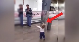 De schattige Tour van dit kindje in de supermarkt tovert een glimlach op je gezicht!