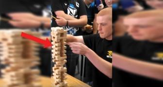 Utmaning i spelet Jenga: killen gör ett otroligt steg ... som ni absolut måste lära er!