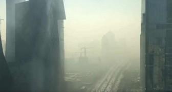 Il filme depuis son bureau la transformation de la ville: ce qui se passe en quelques secondes est inquiétant
