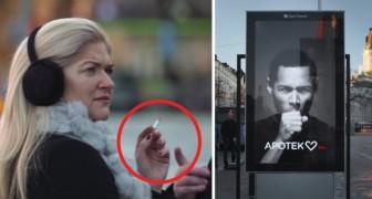 La femme passe avec une cigarette près du panneau d'affichage : ce qu'il se passe va la faire réfléchir