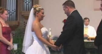 Il testimone resta in mutande durante il matrimonio
