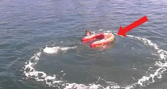 Llego el salvavidas a motor que se pilotea desde la playa: mirenlo en accion!