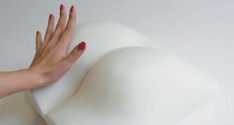 Esta lâmpada tem a forma de um bumbum: come se acende? Exatamente como você imagina...