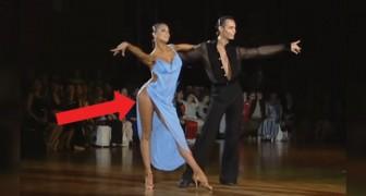 Même les jurés n'arrivent pas à détacher leurs yeux des danseurs... Et pas seulement pour leur bravoure!