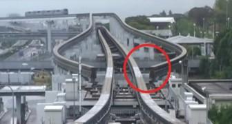 O trem está chegando: o sistema monotrilho japonês é impecável e preciso