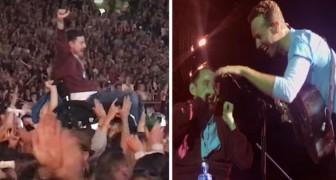 En el concierto de los Coldplay un joven en silla de ruedas llega al escenario: el duo que sigue es magico
