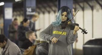 Ein Mädchen spielt mit ihrer Geige Hallelujah: tausende Menschen sind wie verzaubert!