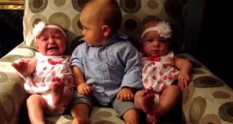 Il bimbo va in confusione quando lo mettono tra le gemelline: provate a non ridere!