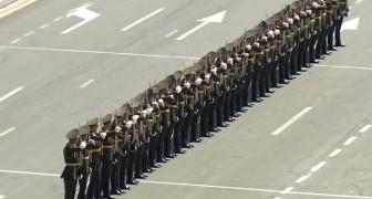 Die Militärparade von Armenien beginnt: die Vorstellung ist surreal