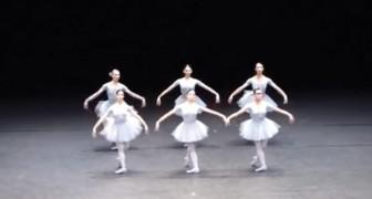 Il pubblico pensa di assistere al solito balletto classico ma lo spettacolo si rivela ben diverso