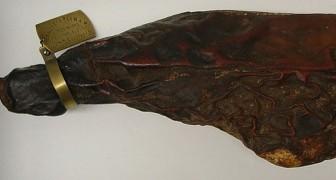 Il a 115 ans et c'est le plus vieux jambon comestible du monde, mais personne n'ose le manger
