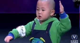 Un enfant de 3 ans plein de talent