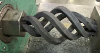 La extraordinaria maquina para el hierro forjado
