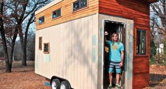 He built a 150 sq. ft. (14 sq. m.) house to avoid paying expensive dorm fees -- its interior will amaze you!