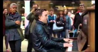 Un mago del piano en la estacion de Londres
