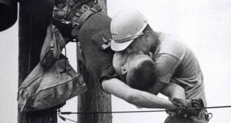 Il bacio della vita: tutti i retroscena del memorabile scatto che vinse il Premio Pulitzer del 1968