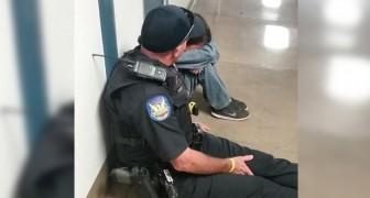 Um menino chora no corredor da escola: o gesto deste oficial merece uma medalha