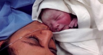 En mamma kommer hem med sin nyfödda bebis men är övertygad om att den inte är hennes, efter några månader får hon reda på sanningen