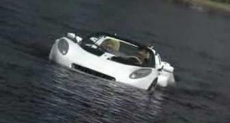 O primeiro automóvel submarino